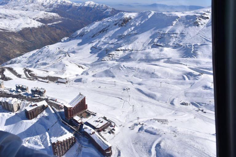 Toma aérea de Valle Nevado