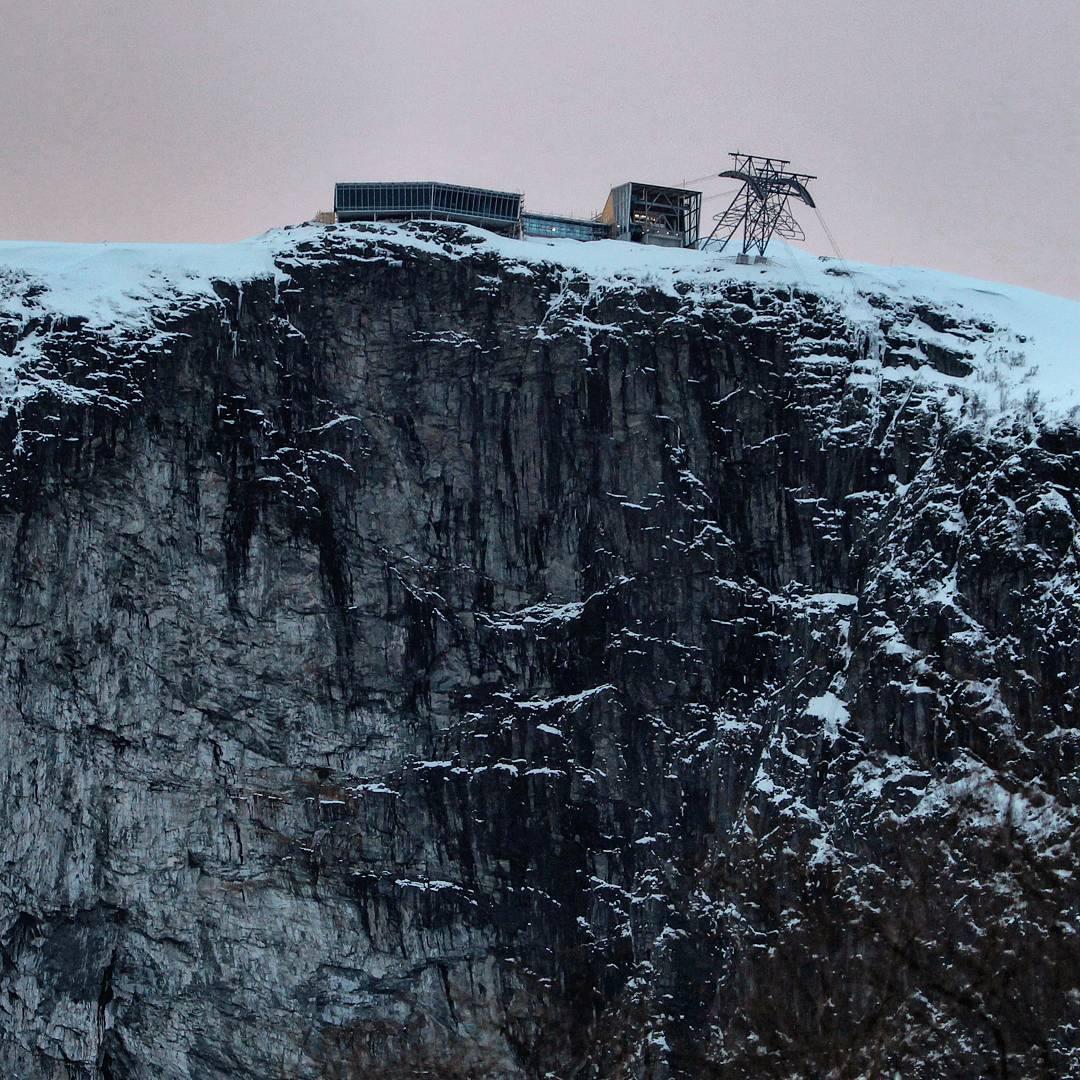 Del Fiordo al Cielo en 5 Minutos | Cómo Es el Teleférico Con Más Pendiente delMundo