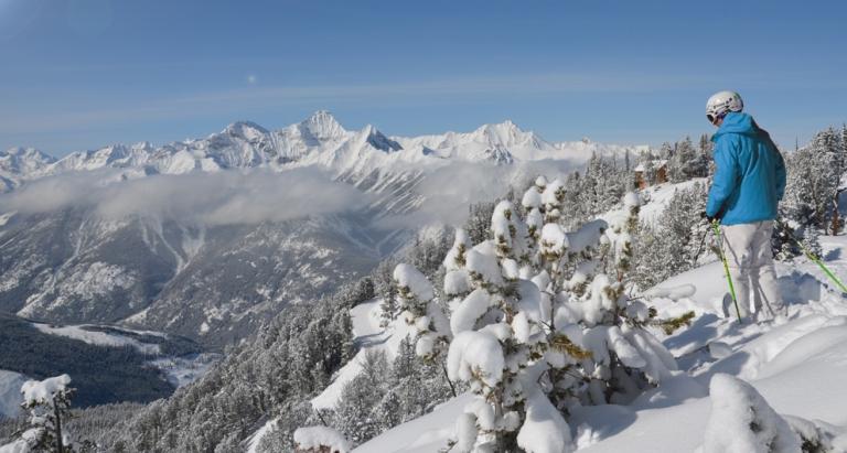 4-PMR-Panorama-Mountain-Resort-skier.jpg