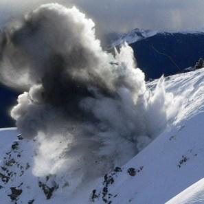 VIDEO: Mirá Cómo Realizaban Control de Avalanchas en el CerroCatedral