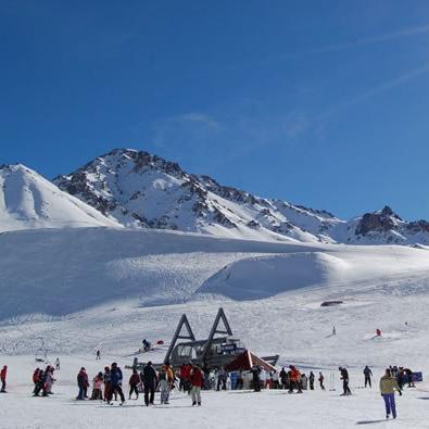 SORTEO: Las Leñas Está Regalando 2 Pares de Esquí y 2 Tablas deSnowboard