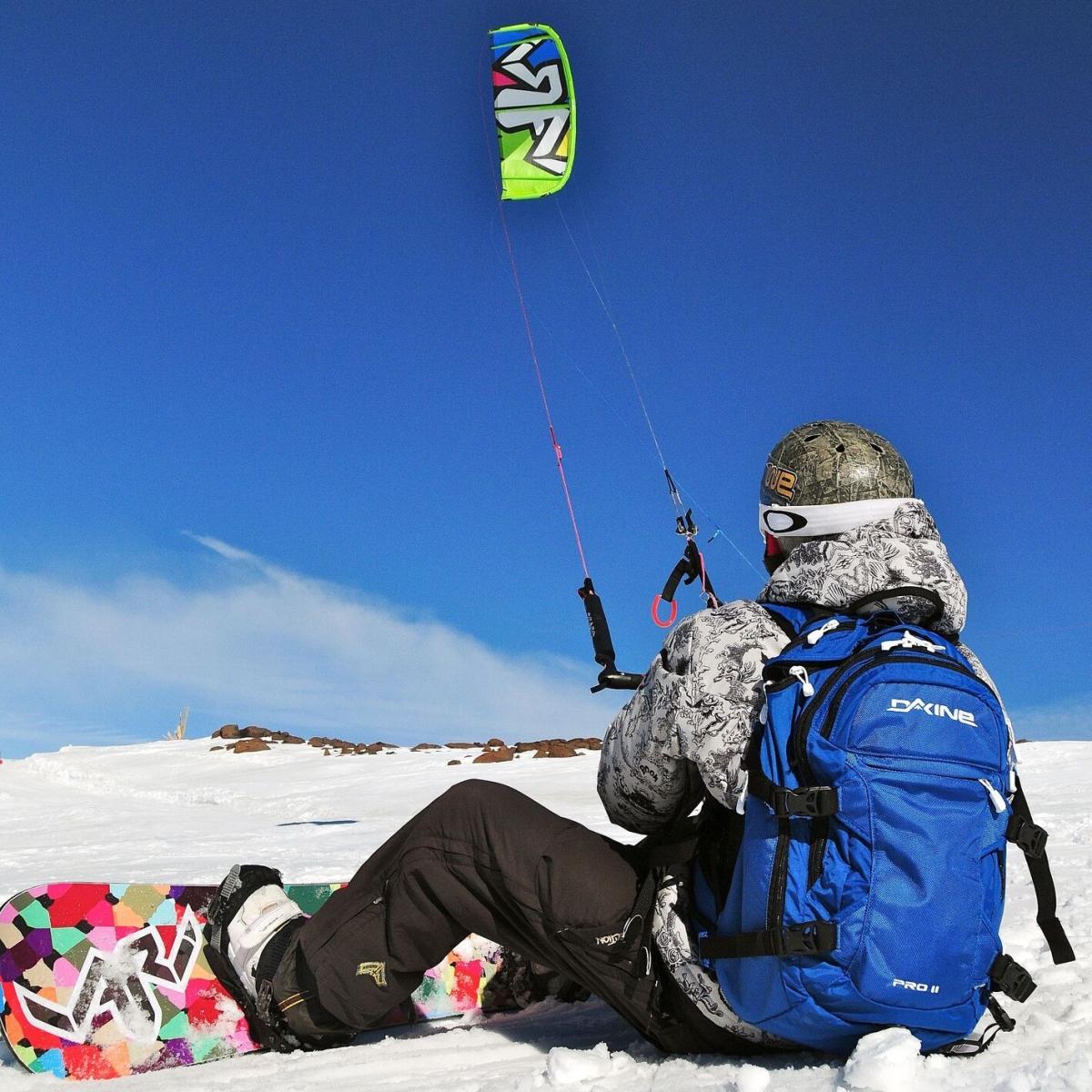 SNOWKITE: Cómo Es El Deporte Que Combina el Kitesurf Con El Ski oSnowboard